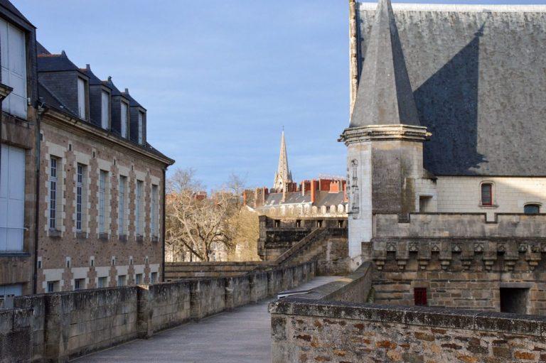 Visitez Nantes à pied en compagnie d'un local