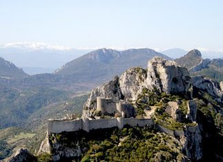 survol chateaux cathares