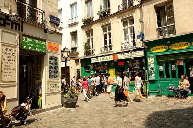 D'où vient le nom du quartier du Marais à Paris ?
